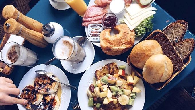 21 Cafés In Köln In Denen Ihr Lecker Frühstücken Könnt Mit